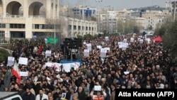 Демонстрация в Иране после смерти командующего силами «Кудс» Касема Сулеймани и заместителя командующего «Хашд аш-Шааби» Абу Махди аль-Мухандиса. Тегеран, 3 января 2020 года.