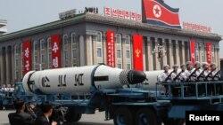 Şimali Koreya aprelin 15-də ölkənin banisi Kim İl Sung-un 105-ci ildönümünü nəhəng paradla qeyd edib