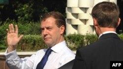 """Президент Медведев прибывает в США не только с политическими целями, но и с """"инновационными""""."""
