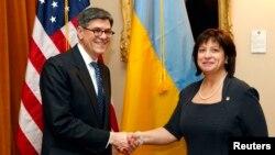 Міністри фінансів США та України Джейкоб Лью і Наталія Яресько під час однієї з попередніх зустрічей