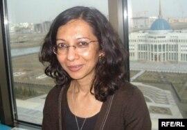 Лондон Университетіндегі Шығыстану және африкатану мектебінің оқытушысы доктор Бавна Даве. Астана, шілде, 2010 жыл.