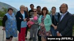 Abdureşit Cepparov Refat Alimovnıñ anası Emine Lümanova ve soy-sopları ile