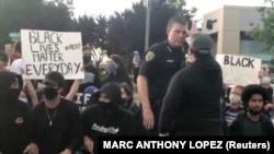 Акция протеста в Калифорнии, США, 2 июня 2020 года