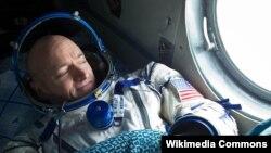 اسکات کلی، دانشمند و فضانورد ناسا