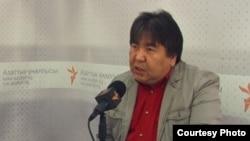 Жогорку Кеңеш депутаты Садык Шернияз.