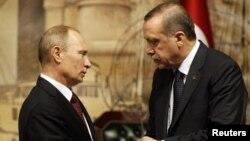 Ռուսաստանի նախագահ Վլադիմիր Պուտինը զրուցում է Թուքիայի վարչապետ Ռեջեփ Էրդողանի հետ, 3-ը դեկտեմբերի, 2012