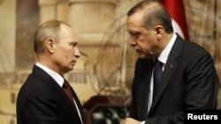 Ресей президенті Владимир Путин мен Түркия премьері Режеп Тайып Ердоғанның кездесуі. Стамбул, 3 желтоқсан 2012 жыл.
