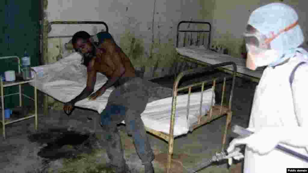 Больница для пациентов с лихорадкой Эболы.Либерия. Июнь2014