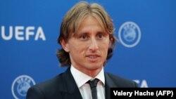 У травні цього року Модрич виграв у складі «Реалу» турнір Ліги чемпіонів, у липні в складі збірної команди Хорватії дійшов до фіналу чемпіонату світу