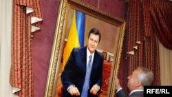 Портрет Президента Януковича донецької художниці Тетяни Пономаренко-Левераш