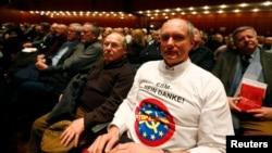 Прихильник партії євроскептиків «Альтернатива для Німеччини», 11 березня 2013 року