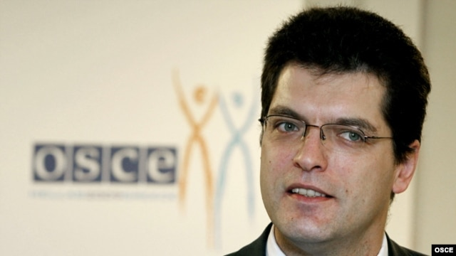 Greece -- Janez Lenarcic, director of the OSCE Office for Democratic Institutions and Human Rights, in Athens, 02Dec2009