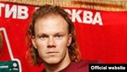 Футболчи Виталий Денисов.