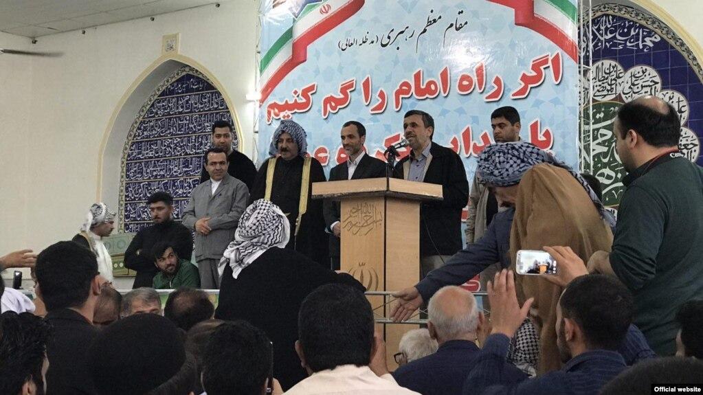 حمله احمدینژاد به روحانی و اصولگرایان: تو چه کارهای که حرف ملت را نمیپذیری؟