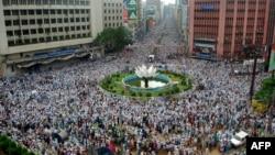Hefazat-e Islam activists rally in Dhaka on May 5.
