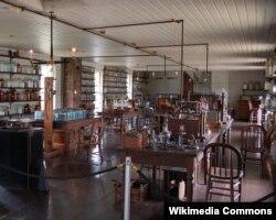 Thomas Edisonun Menlo-Parkdakı laboratoriyası.