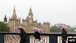 Вид на парламент Великобритании, Лондон. Иллюстративное фото.