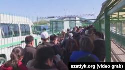 """На пункте пропуска """"Ак-Жол"""" в Чуйской области. 12 октября 2017 года."""