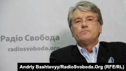 Украинаның экс-премьері Виктор Ющенко Азаттық радиосының Украин қызметінде. 14 тамыз 2012 жыл.