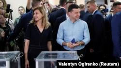 Елена Зеленская со своим супругом, парламентские выборы в Украине, 21 июля 2019 года