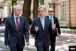 Herman Van Rompuy şi Iurie Leanca, mergând prin parcul central din Chişinău, 13 mai 2014