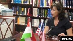 Ambasadorja Xhejkobson, foto nga arkivi, 2008