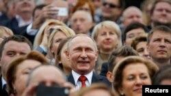 Президент России Владимир Путин на праздновании Дня города 10 сентября 2016 года