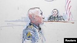 Роберт Бейлз (ліворуч) під час слухань, січень 2013 року (малюнок із зали суду)