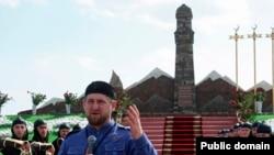 Кадыйров урыс гаскәрләренә каршы сугышкан хатын-кызларга һәйкәл ача