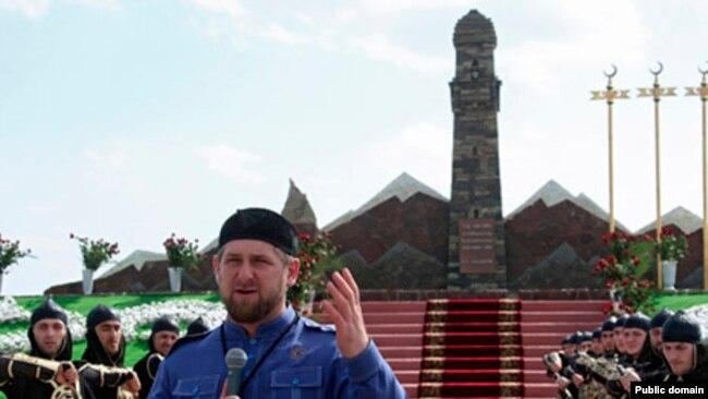Монумент чеченским женщинам в Дади-Юрте