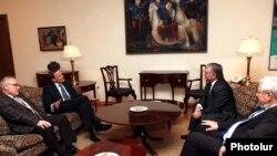 Встреча сопредседателей Минской группы ОБСЕ с главой МИД Армении Эдвардом Налбандяном (архивная фотография)