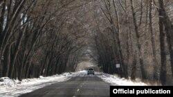 Հայաստանի ավտոճանապարհներից մեկը ձմռանը, արխիվ