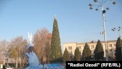 Арчаи тоҷдори Душанбе. Соли 2011