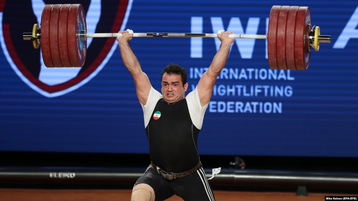 Iranian Weightlifter Wins World Title, Breaks Records