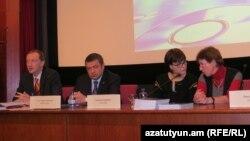 Семинар-кинопросмотр, посвященный 25-летию Карабахского движения и Сумгаитской трагедии, Прага, 20 февраля 2013 г.
