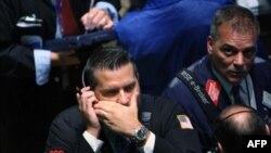 کارشناسان دوشنبه را سیاه ترین روز وال استریت خواندند. (عکس: AFP)
