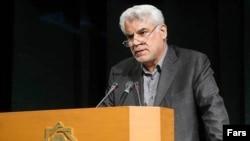 محمود بهمنی، رییس کل بانک مرکزی ایران.