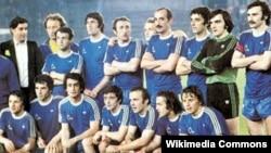 После финального матча за Кубок обладателей кубков УЕФА. Виталий Дараселия – крайний слева в нижнем ряду
