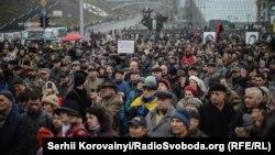 На майдані Незалежності люди зібрались на віче (фотогалерея)