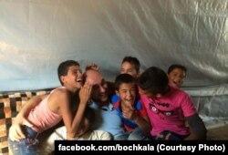 Ліван, Роман Бочкала із сирійськими біженцями в таборі