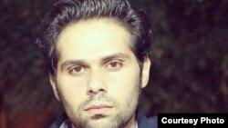 İranda yaşayan azərbaycanlı yazar Afşin Şahbazi.