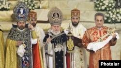 Armenia -- Catholicos Garegin II (C) leads a Christmas mass at Saint Gregory the Illuminator's Cathedral in Yerevan, January 6, 2020.