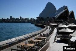 Одна из обычно очень оживленных набережных Сиднея во время карантина. 18 марта 2020 года