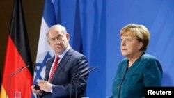 آنگلا مرکل در نشست مطبوعاتی مشترک با بنیامین نتانیاهو در برلین