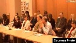 جانب من المشاركين في ندوة تقييد حرية الصحافة العراقية