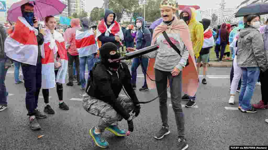 Учасники маршу провели міні-перформанс