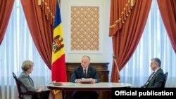 Președintele Igor Dodon, președinta Parlamentului, Zinaida Greceanîi, și prim-ministrul Ion Chicu
