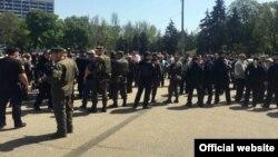 В Одесі, де вшановують пам'ять жертв подій 2 травня 2014 року, посилені заходи безпеки, вулиці міста патрулюють три тисячі правоохоронців
