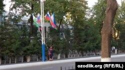 Тошкент Россия байроқлари билан безалди