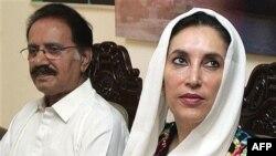 خانم بوتو که به اسلام آباد رفته است می گوید که برنامه ای برای دیدار با پرویز مشرف ندارد.